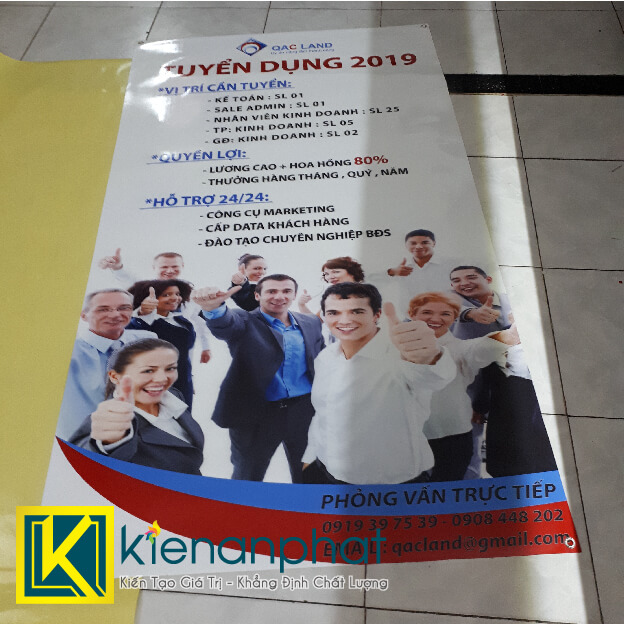 standee tuyển dụng